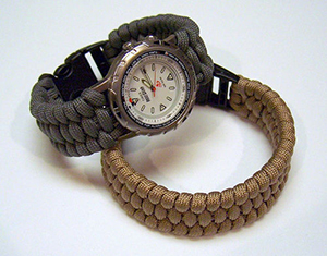 Make your own paracord watch